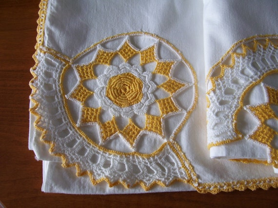 SALE Fabulous Vintage Bed Sheet with Crochet Trim