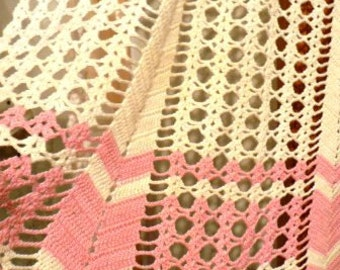 vintage apron ...Pretty in PINK hand CROCHET vintage APRON  ...