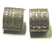 Antique pair silver Middle Eastern bangles / bracelets small size