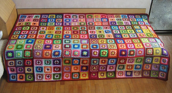 gro e granny square afghanischen decke bunt retro. Black Bedroom Furniture Sets. Home Design Ideas