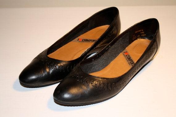 SALE Vintage Black Leather Woven Flats Wedges, Size 9