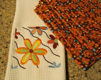 COMBO SET - Flower Power Square - Ripples (Cream) - (Kitchen Towel and 8 Dinner Napkins) - Microfiber Waffle Weave Towel