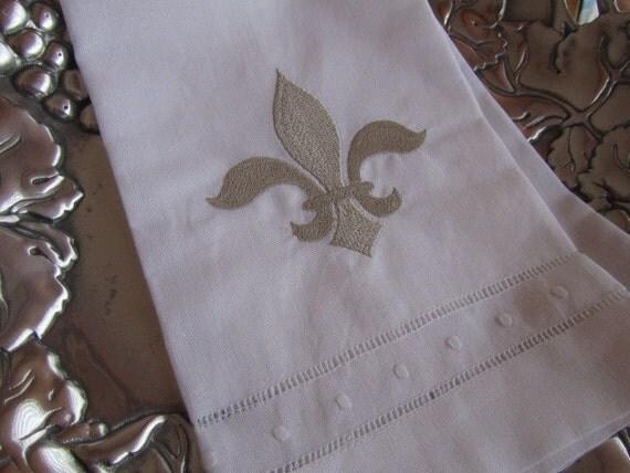 Napoleonic fleur de lis white linen guest hand towel - Fleur de lis bath towels ...