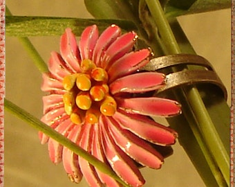 Vintage Ring - Vintage Enameled Flower Ring - Retro Flower Ring - Statement Ring - B35