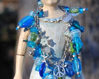 Beaded Charm Bracelet - Blue Beaded Boho Bracelet - Vintage Bead Dangle Bracelet - Upcycled Beads and Charms Jewelry - R43