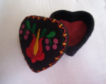 Vintage Handmade and Embroidered Heart Felt Jewelry Box
