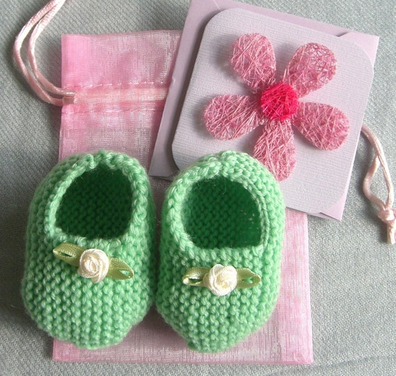 Baby gift set - hand knitted apple green / mint MERINO booties with cream flowers, matching gift bag and card