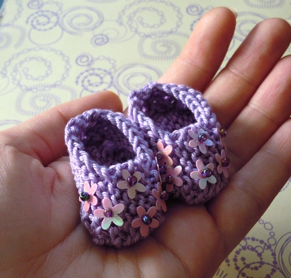 Girl baby shower decorations: little hand knitted lilac mini booties with pretty pink flowers/ sequins - 2 inches - sample