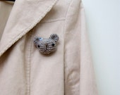 Crocheted brooch, bear amigurumi - gray