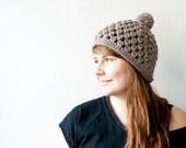 The pom pom hat - chunky hat with a pom pom - in gray