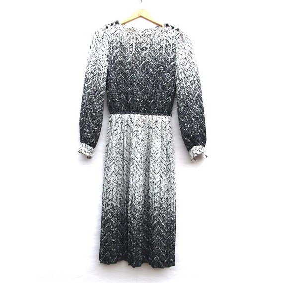Monochrome Texture Print - Pleated Vintage Dress