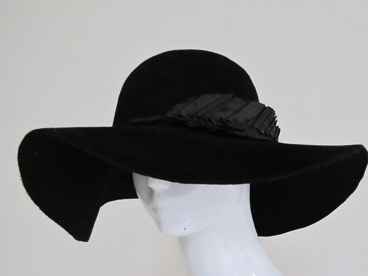 Find great deals on eBay for big black floppy hats. Shop with confidence.