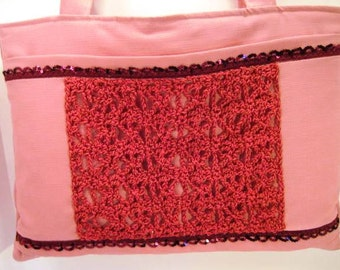 Traditional Tote w Crocheted Accent Dark Pink Medium STBS8-02