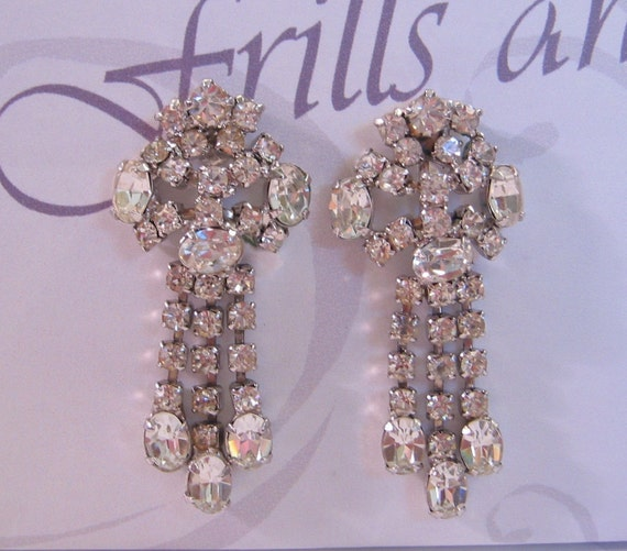Vintage Crystal Rhinestone Dangle Clip Earrings