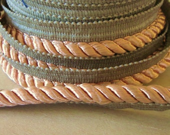 Trim cording with lip -just under 1 inch wide -  sewing - poly blend - Pebble or cocoa colored - 5 yards included