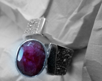 Idol Ring oval  facet cut Ruby and pearl 6-8 mm  with  silver 925 ct