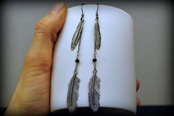 FLY FREE : Long Feather Earrings