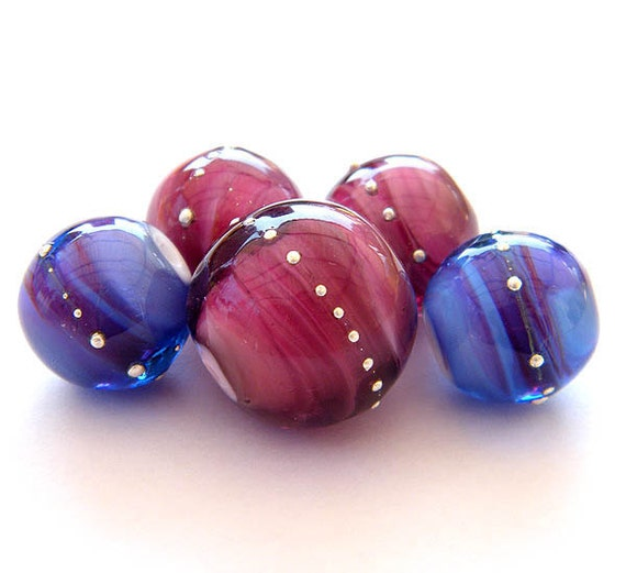 Purple pink round Lampwork beads / pendants (5)