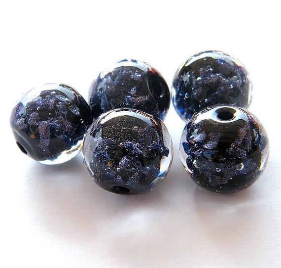 Bindu - 5 Elegant sparkling round Lampwork beads / pendants