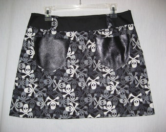 Skull and Crossbones Mini Skirt black and white