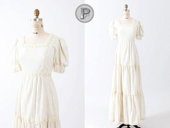 1970s dress small / 70s maxi dress cream : Prairie