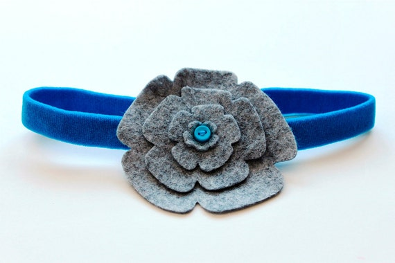 Stacked Charcoal Gray Wool Felt Flowers on Aqua Stretchy