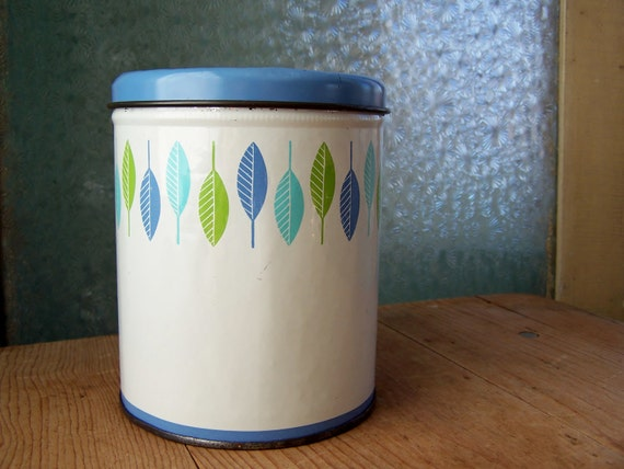 RESERVED : Vintage Round Retro Turquoise Spring Green Leaf Metal Tin