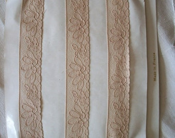 Vintage french cotton alencon lace 22328