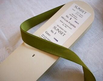 """4 yds.  vintage velvet ribbon in moss from Switzerland  7/8"""", more avail."""
