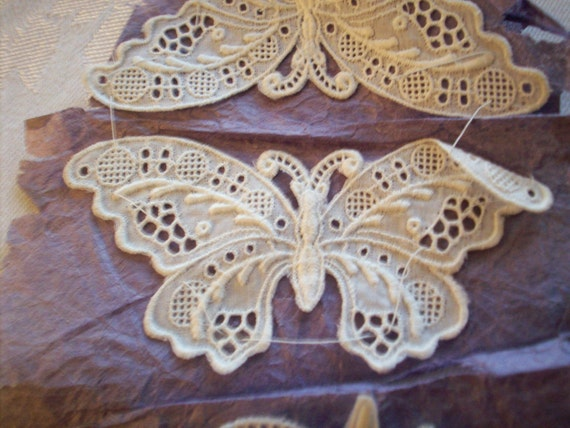 One Lace butterfly in white of very fine antique work