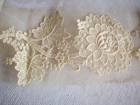 Reserved for rose 8 Lovely vintage lace flower appliques