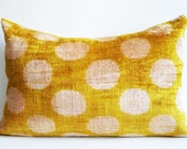 Sukan / SALE - Soft Hand Woven - Silk Velvet Ikat Pillow Cover - 15x23 inch - Gold Yellow Beige Color