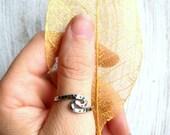 Yin Yang Thumb Ring Fine Silver
