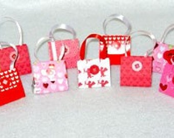 Set of 12 Valentine Purse Party Favors with Hershey Nugget Candy