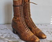 vintage 1900s 1920s boots / antique lace up leather boots / Day Dreaming In Paris