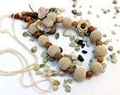 Beige Nursing necklace / Teething necklace / Baby shower gift
