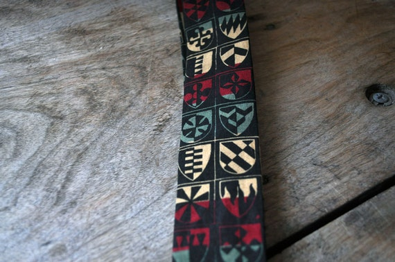1960s Rooster shield design square end tie