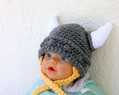 Viking baby hat with ties 0-3 month gray white yellow beanie photography prop cap horns braided Norse costume infant grey hair soft helmet