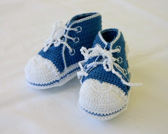 Newborn baby sneakers 0-3 month blue white boy crochet shower gift handmade Soft soled booties infant tennis shoes hightops