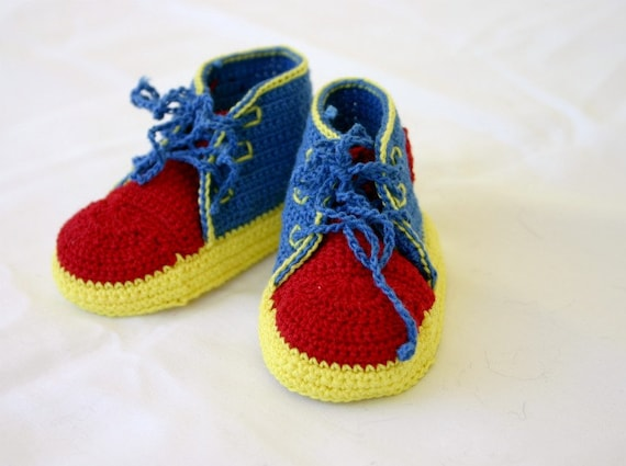 Baby boy sneakers red blue yellow crocheted shower gift cute soft soled  booties newborn 0-3 months infant tennis shoes hightops