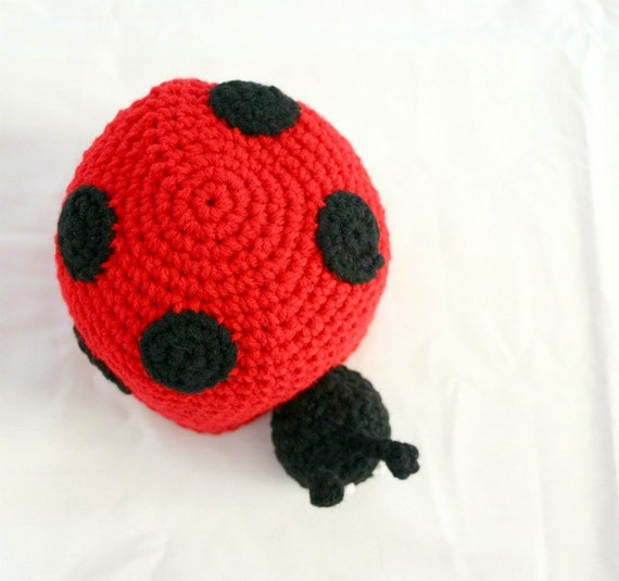 Baby ladybug hat 6-12 month crochet beanie red black flying insect head covering costume accessory headwear photography prop headpiece