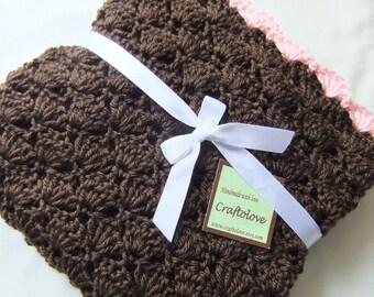 Crochet baby blanket - Baby blanket - Baby girl blanket - Baby girl shower gift - Crib size Dark Brown/Pink Shells Baby Girl Blanket