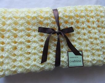 Baby blanket - Baby Girl Blanket  - Crochet baby blanket - Baby girl shower gift - Crib size Lemon Yellow Lacy Shells - Breathable blanket