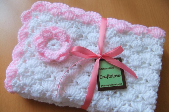 h keln baby decke baby girl decke wei und light pink. Black Bedroom Furniture Sets. Home Design Ideas