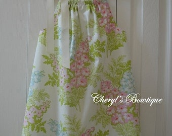 PicNic Bouquet Dress in Cream by Cheryl's Bowtique / 2016 Summer Collection