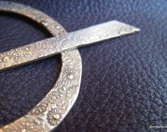 Lacy Posies Bronze Shawl Pin/ Stick