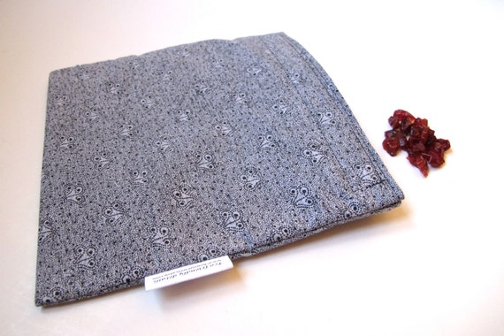 Eco friendly Reusable Sandwich Bag with black dainty dots