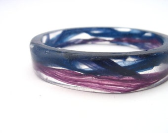 Small resin bracelet bangle jewelry , resin bangle,  petite bangle, navy blue orchid purple wave, sea , tape effect purple