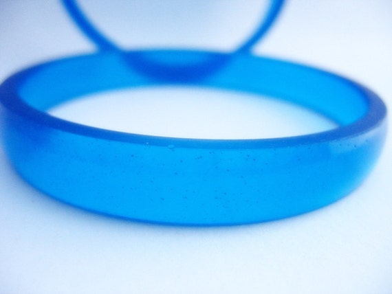 Blue thin resin bangles bracelets jewelry , handcrafted cobalt sapphire color round bangle pair set stackable bangles thin bangles cuffs