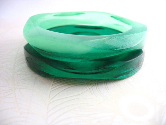 Resin faceted bangles bracelets pair in mint jade green and  deep emerald green